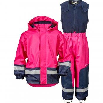 Комплект прорезиненный утепленный BOARDMAN (фуксия)Одежда<br>Материал<br>Верх: 100% полиуретан<br>Утеплитель: нет<br>Подкладка: 100% полиэстер (флис)<br>Водонепроницаемость: 8000 мм.<br>Паропроводимость: нет данных<br>Износостойкость: нет данных<br>Описание<br>В дождезащитном утепленном костюме Boardman Вашему ребенку не страшны любые лужи. Костюм дополнительно утеплен флисом, что делает его просто незаменимым для межсезонья.<br>Функциональные элементы. <br>Производитель: Didriksons 1913 (Швеция).<br>Страна производства: Китай.<br>Коллекция Весна/Лето 2017<br>Модель производится в размерах 70-140<br>Температурный режим<br>От 0 градусов и выше.; Размеры в наличии: 70, 80, 90, 100, 100, 110, 120, 130, 140.<br>