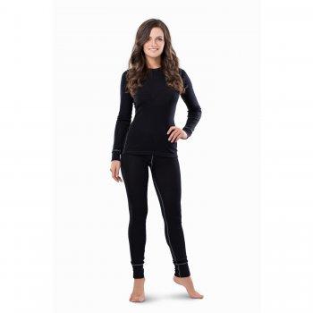Комплект женский (чёрный)Одежда<br>Материал<br>100% шерсть<br>Описание<br>Шерсть мериносов содержит ланолин (животный воск), который обладает антибактериальными действиями и является природным антисептиком. Шерсть мериносов не вызывает аллергию, хорошо поглощает и отводит влагу от тела, эффективно согревает и оказывает положительное влияние на организм.<br>Не рекомендуется брать термобелье с большим запасом из-за снижения эффективности материалов.<br>Обратите внимание: нижнее белье, колготки и носки обмену и возврату не подлежат в соответствии в законом РФ О защите прав потребителей.<br>Производитель: Janus (Норвегия)<br>Страна производства: Норвегия<br>Модель производится в размерах S-XL<br>Коллекция: Осень/Зима 2017<br>Температурный режим: <br>От 0 до -30; Размеры в наличии: S, M, L, XL.<br>