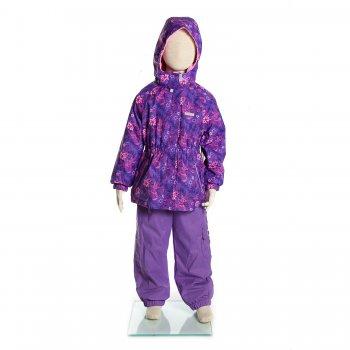 Комплект  LIISA (фиолетовый с цветами)Комбинезоны<br>Материал<br>Верх: куртка- 100% полиэстер, брюки- 100% полиамид<br>Подкладка: 100% полиэстер<br>Утеплитель: куртка - 80 грамм (100% полиэстер), брюки - 45 грамм (100% полиэстер)<br>Водонепроницаемость: 5000 мм<br>Паропроводимость: 5000 г/м2/24ч<br>Описание<br>Утепленный комплект на межсезонье для девочек от 3 до 9 лет финской марки Kerry на температуру от +5 до +15 градусов. Выполнен из водо - и грязеотталкивающей ткани Kerry Active, что позволит Вам гулять в дождливую погоду без риска промокнуть, а специальная пропитка позволит без труда удалить легкие загрязнения  влажной тряпочкой. Удлиненная куртка, манжеты на резинке и подол штанин на резинке защитят от продувания. В комплекте предусмотрены светоотражающие элементы для безопасности в темное время суток. Модель идет в размер.<br><br>Функциональные элементы: Куртка: капюшон отстегивается с помощью кнопок, защита подбородка от защемления, карманы на молнии, манжеты на резинке, светоотражающие элементы. Брюки:  пояс на резинке с регулируемой шнуровкой, подол штанин на резинке, карман на кнопке, светоотражающие элементы<br>Производитель: Kerry (Финляндия)<br>Страна производства: Евросоюз (основная часть коллекции производится в Эстонии)<br>Коллекция: Весна/Лето 2017<br>Модель производится в размерах: 92-134<br>От 0 градусов и выше; Размеры в наличии: 98, 104, 110, 116, 122, 128, 134.<br>