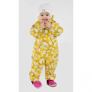 Комбинезон HAPPY (желтый с ромашками)Комбинезоны<br>Комбинезон для малышей от 3 месяцев до года от известной финской марки Kerry. Модель разработана с учетом потребностей самых маленьких: подкладка их 100% хлопка, отвороты для ручек и ножек, две длинные молнии. Легкий утеплитель 80 грамм подойдет на температуру от +5 до +15 градусов. А для детей постарше важным дополнением будет водонепроницаемость 5000 мм  - в таком комбинезоне можно смело гулять в дождливую погоду без риска промокнуть. Прочные трикотажные штрипки фиксирует штанины на обуви, исключая попадание влаги внутрь. <br><br>   капюшон не отстегивается, защитная планка молнии, карманов нет, отвороты, несъемные трикатожные штрипки, светоотражающие элементы, две удлиненных молнии.  <br> Верх: 100% полиамид<br> Подкладка: 80% хлопок, 20% полиэстер<br> Утеплитель: 80 грамм (100% полиэстер)<br> Водонепроницаемость: 5000 мм<br> Паропроводимость: 5000 г/м2/24ч<br> Производитель: Kerry (Финляндия)<br> Страна производства: Евросоюз (основная часть коллекции производится в Эстонии)<br> Модель производится в размерах: 62-80 <br> Коллекция: Весна/Лето 2018<br><br> Температурный режим <br> От 0 градусов и выше; Размеры в наличии: 68, 74, 80.<br>