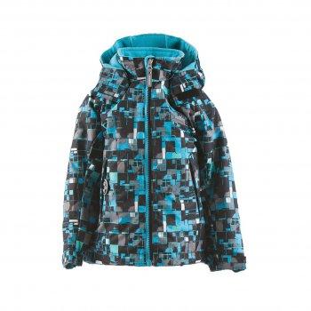 Куртка MARK ( синий с принтом)Куртки<br>Описание<br>Куртка в черно-голубом цвете со стильной двухцветной молнией. Она точно понравится всем мальчикам, но самые везунчики - дети в возрасте от 3 до 8 лет, ведь именно им подойдет эта модель.<br>В куртке 80 г утеплителя, поэтому начинать прогулки в ней можно уже от 0 градусов (но не забываем про теплую поддеву), а высокая водонепроницаемость позволяет не откладывать запланированные прогулки из-за дождика. <br>Утяжка по подолу куртки, регулируемые на липучках манжеты и мягкая флисовая подкладка обеспечивают тепло и комфорт во время нахождения на улице. А карманы на молнии станут местом хранения перчаток или небольших, но очень ценных вещей ребенка.<br>На куртке также предусмотрены светоотражающие элементы, которые очень пригодятся в темное время суток.<br>Функциональные элементы: капюшон отстегивается с помощью кнопок, защита подбородка от защемления, подкладка на флисе, карманы на молнии, манжеты на липучке, утяжка по подолу, светоотражающие элементы.<br>Характеристики<br>Верх: ткань Active (100% полиамид)<br>Подкладка: флис (100 % полиэстер)<br>Утеплитель:  80 грамм (100% полиэстер)<br>Водонепроницаемость: 5000 мм<br>Паропроводимость: 5000 г/м2/24ч<br>Производитель: Kerry (Финляндия)<br>Страна производства: Евросоюз (основная часть коллекции производится в Эстонии)<br>Модель производится в размерах: от 92-128<br>Коллекция: Весна/Лето 2018<br>Температурный режим<br>От 0 градусов и выше; Размеры в наличии: 98, 104, 110, 116, 122, 128, 134.<br>