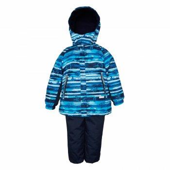 Комплект AUGUST (синий с принтом)Комбинезоны<br>Описание<br>Весенний комплект с морским принтом для мальчиков от 3 до 8 лет. В его куртке 80 г утеплителя, в брюках - 45 г. Этого вполне достаточно, чтобы выходить гулять уже в 0 градусов, но, пожалуйста, не забудьте одеть теплую поддеву. Примерно до +15 градусов в этом комплекте будет комфортно. Высокая водонепроницаемость позволит будущему капитану морского судна спокойно покорять весенние лужи и смело гулять под дождиком.<br>Светоотражающие элементы добавят безопасности в темное время суток, а капюшон на кнопках легко отстегнется в случае случайной зацепки. <br>Функциональные элементы: капюшон отстегивается с помощью кнопок, защитная планка молнии без застежек, защита подбородка от защемления , карманы на молнии, манжеты на резинке, утяжка по подолу, светоотражающие элементы. Брюки: регулируемые лямки,светоотражающие элементы. <br>Характеристики: <br>Верх: ткань Active (100% полиамид+ 100 % полиэстер)<br>Подкладка: флис (100 % полиэстер)<br>Утеплитель:  куртка 80 грамм, брюки 45 грамм (100% полиэстер)<br>Водонепроницаемость: 5000 мм<br>Паропроводимость: 5000 г/м2/24ч<br>Производитель: Kerry (Финляндия)<br>Страна производства: Евросоюз (основная часть коллекции производится в Эстонии)<br>Модель производится в размерах: <br>Коллекция: Весна/Лето 2018<br>Температурный режим: <br>От 0 градусов и выше; Размеры в наличии: 98, 104, 110, 116, 122, 128, 134.<br>