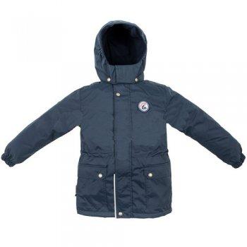Куртка OCEAN (темно-синий)Куртки<br>Описание<br>Однотонная удлиненная куртка для мальчиков до 8-9 лет. <br>Она подойдет как для прогулок, так и для активного отдыха в то время, когда в ветровке еще холодно, а в зимней куртке уже жарко. <br>В помощь от непогоды на куртке предусмотрены резинки на манжетах, утяжка на талии и высокая стойка в области воротника. А в большие накладные карманы можно убрать перчатки.<br>Функциональные элементы: капюшон отстегивается с помощью кнопок, защитная планка молнии на кнопках, защита подбородка от защемления, карманы на кнопках, манжеты на резинке, утяжка на талии, светоотражающие элементы. <br>Характеристики<br>Верх: 100% полиамид<br>Подкладка: 100% полиэстер<br>Утеплитель: 80 грамм <br>Водонепроницаемость: 5000 мм<br>Паропроводимость: 5000 г/м2/24ч<br>Производитель: Kerry (Финляндия)<br>Страна производства: Евросоюз (основная часть коллекции производится в Эстонии)<br>Модель производится в размерах: 98-134<br>Коллекция: Весна/Лето 2018<br>Температурный режим<br>От 0 градусов и выше; Размеры в наличии: 98, 104, 110, 116, 122, 128, 134.<br>