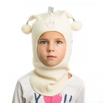 Шлем (молочный с короной)Одежда<br>Описание<br>Шлемы Киват очень теплые и подойдут на самые лютые морозы. Специальные вставки с утеплителем в области ушек и лба. Отличная посадка по голове и оригинальный дизайн. Светоотражающие вставки для безопасности. <br>Характеристики: <br>Верх: 100% шерсть<br>Подкладка: 100% хлопок<br>Производитель: Kivat, Финляндия<br>Коллекция Осень/Зима 2017<br>Модель производится в размерах 0-3<br>Страна производства: Финляндия<br>Температурный режим<br>От 0 до -20 градусов<br>; Размеры в наличии: 0, 1, 2, 3.<br>
