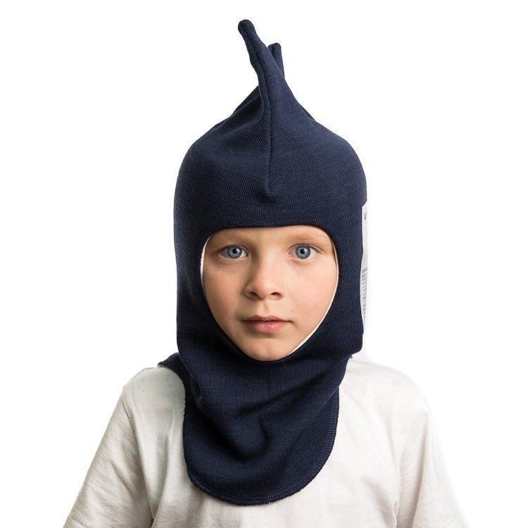 Шлем (синий)Одежда<br>Описание<br>Шлемы Киват очень теплые и подойдут на самые лютые морозы. Специальные вставки с утеплителем в области ушек и лба. Отличная посадка по голове и оригинальный дизайн. Светоотражающие вставки для безопасности. <br>Характеристики: <br>Верх: 100% шерсть<br>Подкладка: 100% хлопок<br>Производитель: Kivat, Финляндия<br>Коллекция Осень/Зима 2017<br>Модель производится в размерах 1-4<br>Страна производства: Финляндия<br>Температурный режим<br>От 0 до -20 градусов; Размеры в наличии: 1, 2, 3, 4.<br>