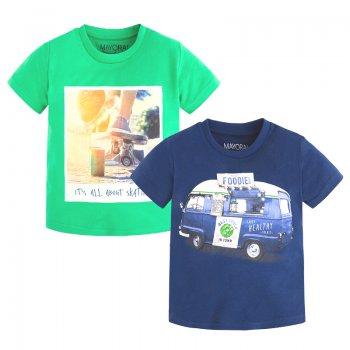 Комплект из 2-х футболок (зеленый, синий)Одежда<br>Материал<br>Верх: 100% хлопок<br>Описание<br>Комплект состоит из двух футболок, выполненных из чистого хлопка. Модель зеленого цвета украшена принтом с изображением скейтборда, темно-синяя футболка  с изображением ретро-автомобиля.<br>Производитель: MAYORAL (Испания)<br>Страна производства: Индия<br>Коллекция: Весна/Лето 2017<br>Модель производится в размерах: 2-9 лет; Размеры в наличии: 2, 3, 4, 5, 6, 7, 8, 9.<br>
