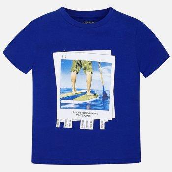 Футболка (синий с принтом)Одежда<br>Яркая футболка для мальчиков-подростков от 10 до 18 лет.  Оригинальный рисунок в виде объявления об обучении серфингу привлечет внимание всех и усилит ожидание летнего отдыха.   Верх:100% хлопок<br> Производитель: MAYORAL (Испания)<br> Страна производства: Индия<br> Модель производится в размерах: 10-18 лет<br> Коллекция: Весна/Лето 2018<br>; Размеры в наличии: 10, 12, 14, 16, 18.<br>