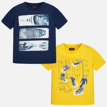 Комплект из 2-х футболок (синий, желтый)Одежда<br>Комплект из двух футболок для мальчиков-подростков. На футболках изображены летние рисунки с водным видом спорта. Их точно оценит каждый мальчишка!   Верх:100% хлопок<br> Производитель: MAYORAL (Испания)<br> Страна производства: Бангладеш<br> Модель производится в размерах: 10-18 лет<br> Коллекция: Весна/Лето 2018<br>; Размеры в наличии: 10, 10, 12, 12, 14, 14, 16, 16, 18, 18.<br>