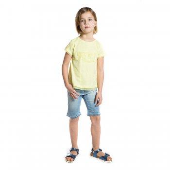 Шорты (голубой)Одежда<br>Материал<br>Верх: 92% хлопок, 6% полиэстер, 2% эластан<br>Описание<br> Стильные джинсовые бриджи на девочку-подростка. Эластичная ткань средней плотности не сковывает движения. Модель дополнена регулировкой по поясу, застегивается на пуговицу и молнию, защищенную планкой. Внутренний кармашек украшен клепками.<br>Утяжка на поясе, застежка-пуговица.<br>Производитель: MAYORAL (Испания)<br>Страна производства: Индия<br>Коллекция: Весна/Лето 2017<br>Модель производится в размерах: 10-18 лет; Размеры в наличии: 10, 12, 14, 16, 18.<br>