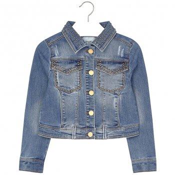 Куртка джинсовая (синий с клепками)Куртки<br>Материал<br>Верх: 70% хлопок, 26% полиэстер, 3% эластан, 1% вискоза<br>Описание<br>Застежка и манжеты на пуговицах.<br>Производитель: MAYORAL (Испания)<br>Страна производства: Китай<br>Коллекция: Весна/Лето 2017<br>Модель производится в размерах: 10-18 лет; Размеры в наличии: 10, 12, 14, 16, 18.<br>