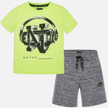 Комплект (желтый с серым): Футболка, шортыОдежда<br>Комплект для мальчиков - подростков, состоящий из футболки и шортов. Очень стильный, яркий и качественный!   Верх: футболка: 65% полиэстер, 35% хлопок, шорты: 100% хлопок<br> Производитель: MAYORAL (Испания)<br> Страна производства: Китай<br> Модель производится в размерах: 10-18 лет<br> Коллекция: Весна/Лето 2018<br>; Размеры в наличии: 10, 12, 14, 16, 18.<br>