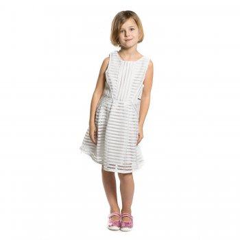 Платье (белый)Одежда<br>Материал<br>Верх: 100% полиэстер. Подкладка: 100% полиэстер.<br>Описание<br> Двухслойное платье для девочки-подростка от испанского бренда Mayoral. Произведена в размера 10-18 лет. Приталенная модель из плотного гипюра. Внутри гладкая подкладка. Застегивается на спинке на скрытую молнию.<br>Производитель: MAYORAL (Испания)<br>Страна производства: Китай<br>Коллекция: Весна/Лето 2017<br>Модель производится в размерах: 10-18 лет; Размеры в наличии: 10, 12, 14, 16, 18.<br>