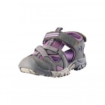 Сандалии Rigger (бежевый)Обувь<br>Материал: <br>Верх:  искусственная кожа, текстиль<br>Подкладка: текстиль<br>Подошва: термопластичная резина<br>Описание: <br>Спортивные сандалии  от Reima. Застежка на двух ремешках позволяет отрегулировать сандалии точно по ноге. Благодаря лайкровой подкладке они очень комфортные и не натирают ногу ребенку. Легкая  конструкция поддерживает стопу, а подошва из термопластичной резины не будет скользить,что позволяет ребенку активно  заниматься спортом.<br>Функциональные элементы: усиленный мыс, мягкие материалы подкладки.<br>Производитель: Reima (Финляндия)<br>Страна производства: Китай <br>Модель производится в размерах 28-38<br>Коллекция: Весна/Лето 2017<br>Температурный режим:  <br> от +20 градусов  и выше; Размеры в наличии: 28, 29, 30, 31, 32, 33, 34, 35, 36, 37, 38.<br>