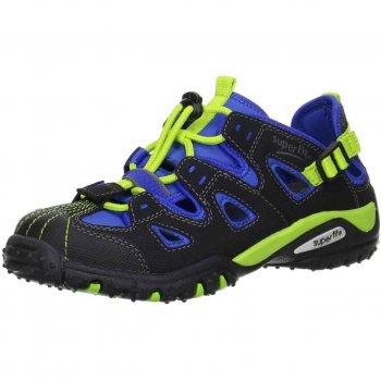 Кроссовки открытые (черный с синим)Обувь<br>Материал<br>Верх:искусственные материалы/текстиль<br>Подкладка(внутренний материал): текстиль<br>Стелька: натуральная кожа<br>Подошва: полиуретан<br>Описание<br>Кроссовки на шнуровке для мальчика. Усиленный мыс обеспечивает повышенную износостойкость, а текстильная подкладка и кожаная стелька обеспечивают максимальный комфорт. Анатомическая стелька с запатентованной активной подушечкой SuperFit имитирует ходьбу босиком позволяя мышцам стопы развиваться правильно.<br>Производитель: Superfit (Австрия)<br>Страна производства: Индия<br>Коллекция Весна/Лето 2017<br>Температурный режим<br>От +15 градусов и выше; Размеры в наличии: 30, 31, 32, 33, 34, 35, 36, 37, 38.<br>