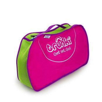 Сумка для хранения розоваяОдежда<br>Сумка для хранения Trunki сделает все для комфортного путешествия с ребенком.<br>Она отлично вмещается в одну из половинок чемоданов Trunki и позволяет аккуратно разместить вещи в чемоданчике. В сумку ребенок может сложить небольшие вещи и игрушки, чтобы они не затерялись среди других вещей в чемодане. <br>Еще одно использование сумки - повесить ее на плечо при помощи длинного ремешка-ручки, которая входит в комплект каждого чемодана Trunki.<br><br>Боковые части сумки выполнены из прочной ткани розового цвета. По центру зеленая ткань с перфорацией для вентиляции вещей. Сумка застегивается на молнию, имеется фиолетовая ручка с двумя петлями по бокам для крепления длинного ремешка (входит в комплект чемоданов Trunki).    Размер: 42*27см.<br> Производитель: Trunki (Великобритания)<br> Страна производства: Китай<br> Коллекция: Весна/Лето 2018; Размеры в наличии: б/р.<br>