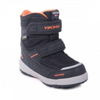 Ботинки SKAVL II GTX (черный)Обувь<br>Производитель: Viking (Норвегия)<br> Страна производства: Вьетнам<br> Модель производится в размерах: 21-30<br> Обувь Viking можно стирать в стиральной машине при температуре 30 градусов<br> Коллекция Осень/Зима 2017<br>  <br> Верх: 100% текстиль<br> Внутренняя отделка: мембранная подкладка GORE-TEX (100% полиэстер)<br> Подошва: натуральная резина<br><br> Температурный режим <br> От 0 до -30 градусов; Размеры в наличии: 21, 22, 23, 24, 25, 26, 27, 28, 29, 30.<br>